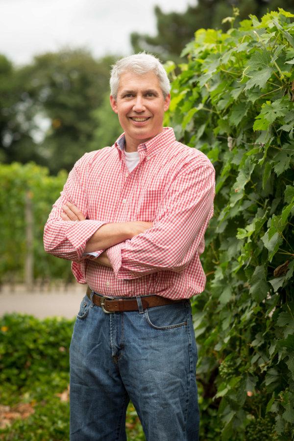 Eola-Hills-Steve-Anderson-winemaker-1-600x900
