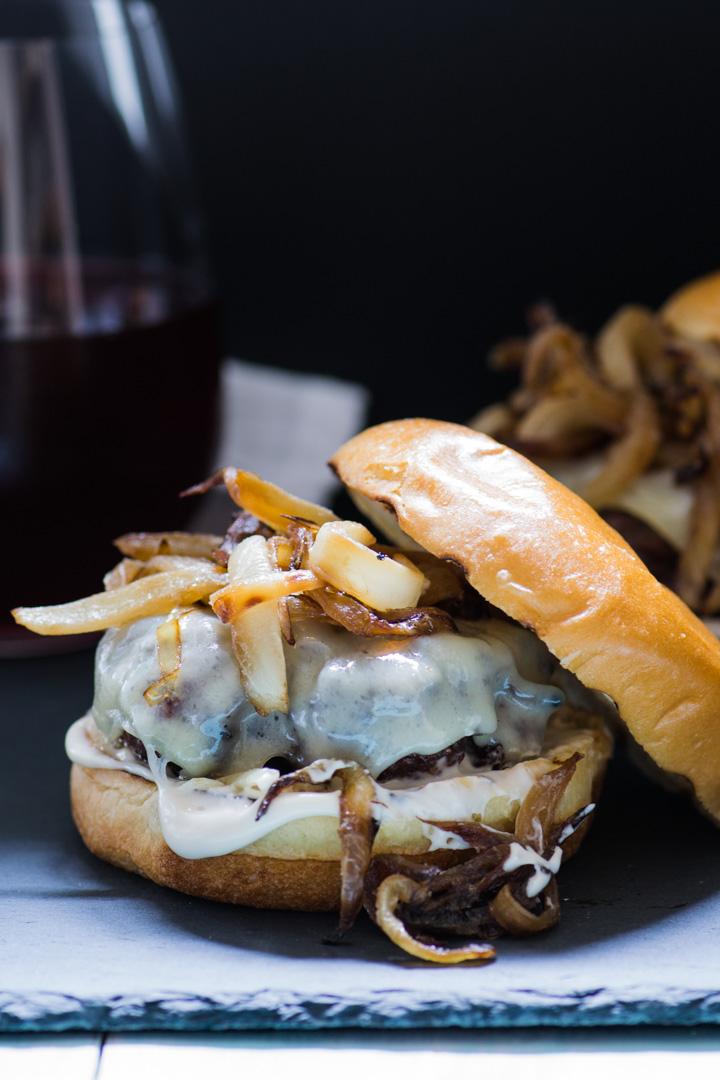 Gruyere-Caramelized-Onion-Burger2